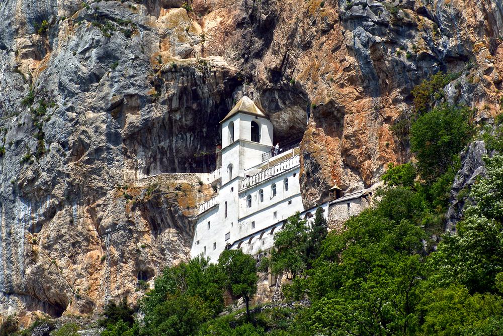 Достопримечательность Черногории - Монастырь Острог